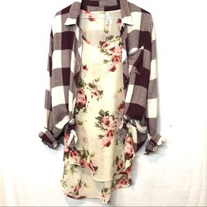 Tops - Cream Floral Sheer Tee 2/1 Burgundy Cream Plaid M